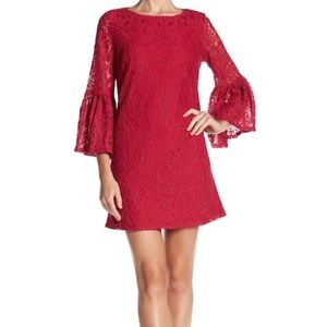 NWOT Lace Bell Sleeve Dress Sz 8